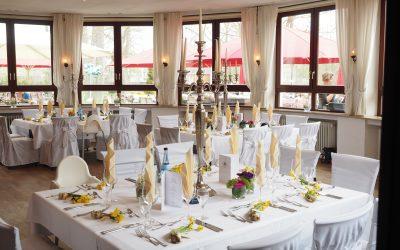 ballroom-candles-candlesticks
